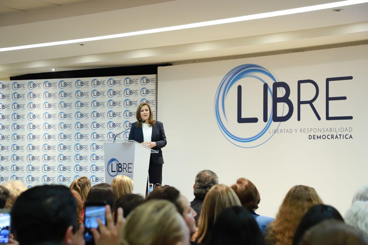 Zavala presenta asociación política LIBRE