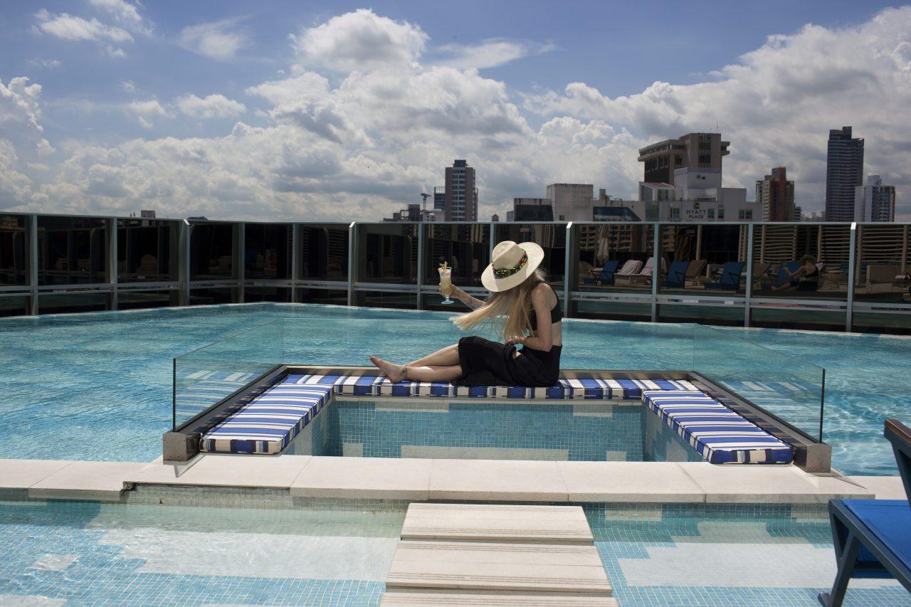 Gigi Burris reinventa el sombrero Panamá de la mano de W Hotels