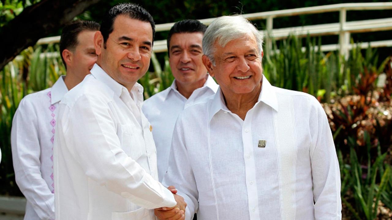 Inicia encuentro entre López Obrador y presidente de Guatemala