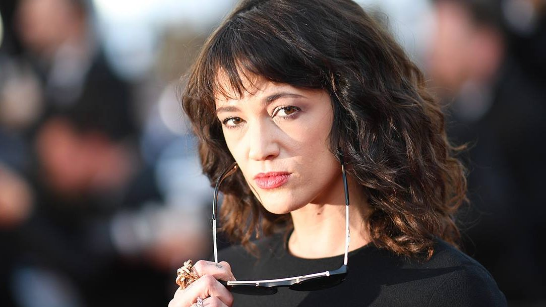 Asia Argento, líder de #MeToo, es acusada de abuso sexual a un menor