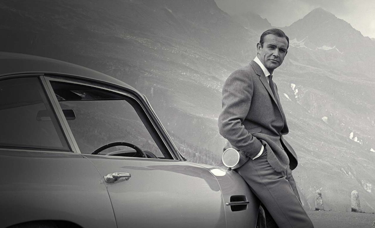 Aston Martin quiere que conduzcas como James Bond