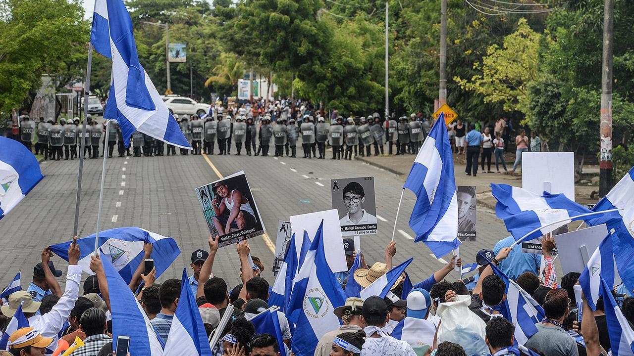 Nicaragüenses en Costa Rica se manifiestan contra Daniel Ortega