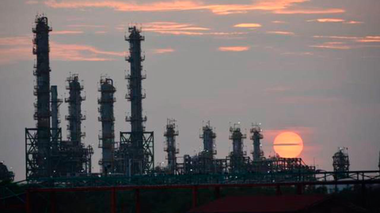 Aunque produjo menos, Pemex vendió 30% más de gasolina en julio