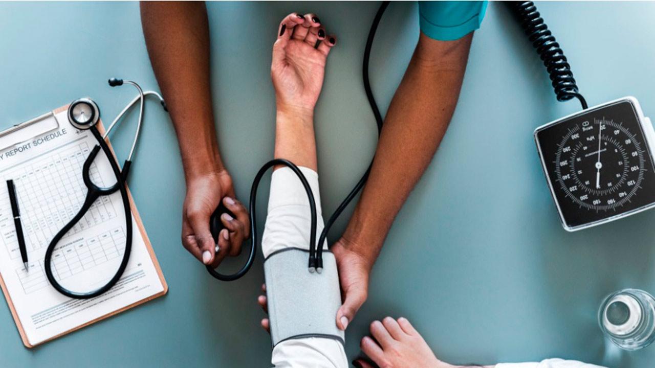 ¿Qué es lo más importante: la salud o el dinero?