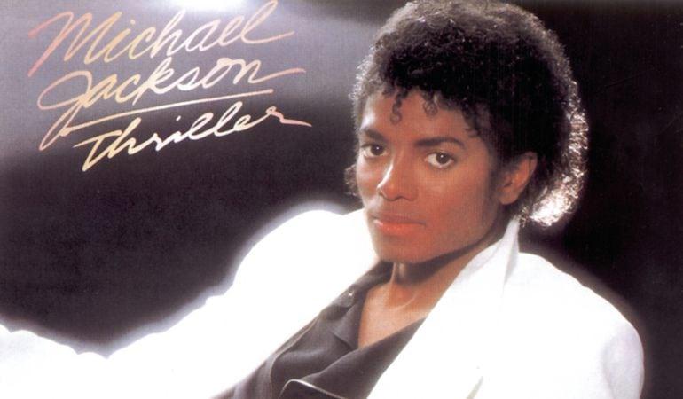 Hugo Boss revive el icónico traje blanco de Michael Jackson
