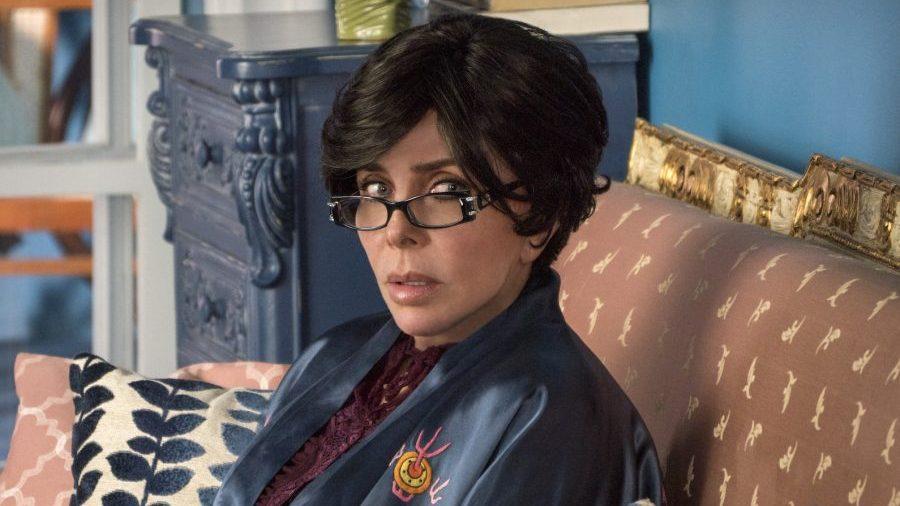 """El director de """"La casa de las flores"""" revela que la serie de Netflix perderá a su protagonista"""