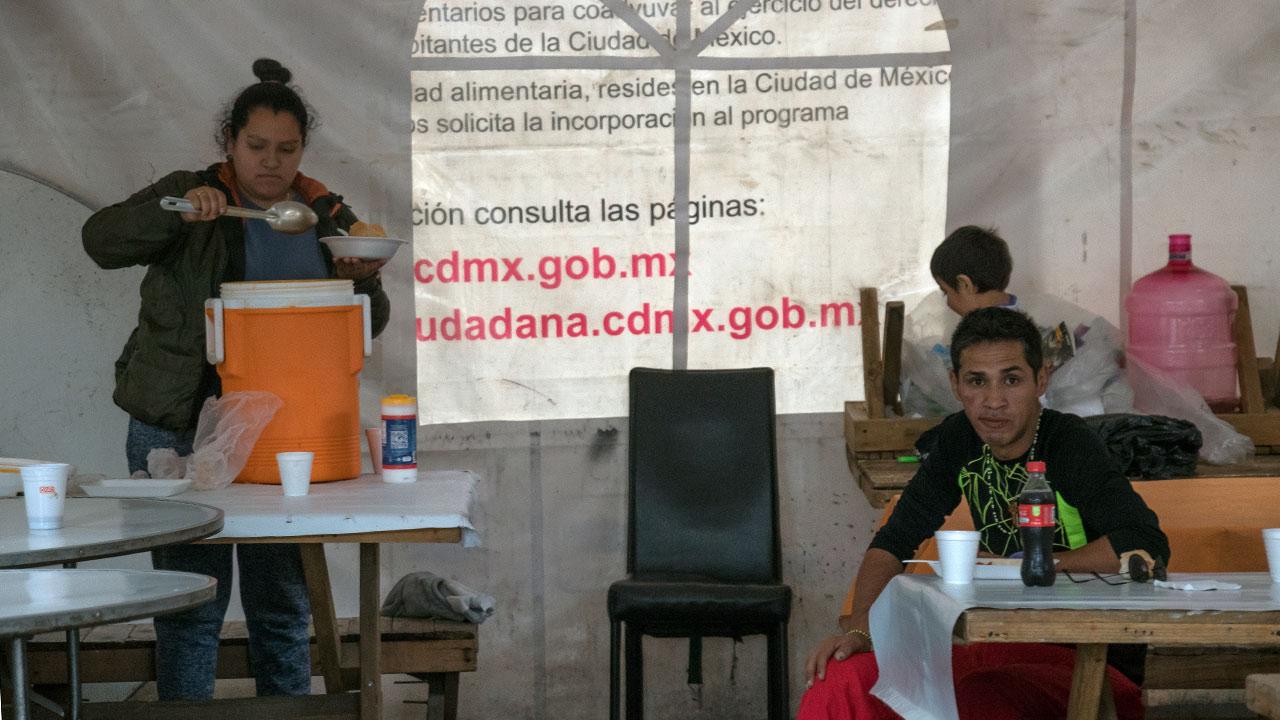 Comedor comunitario en campamentos de Unidad Habitacional Tlalpan. Foto: Angélica Escobar/ Forbes México.