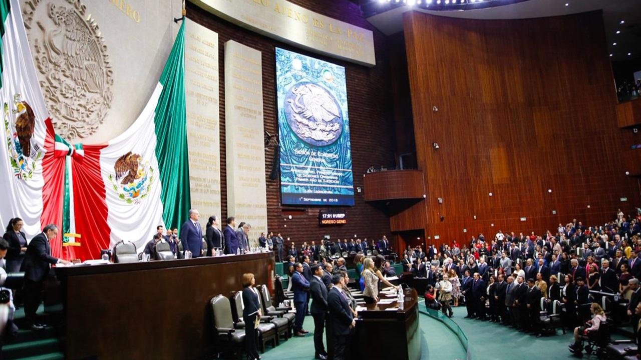 Diputados y senadores instalan 69 Legislatura y reciben Sexto Informe