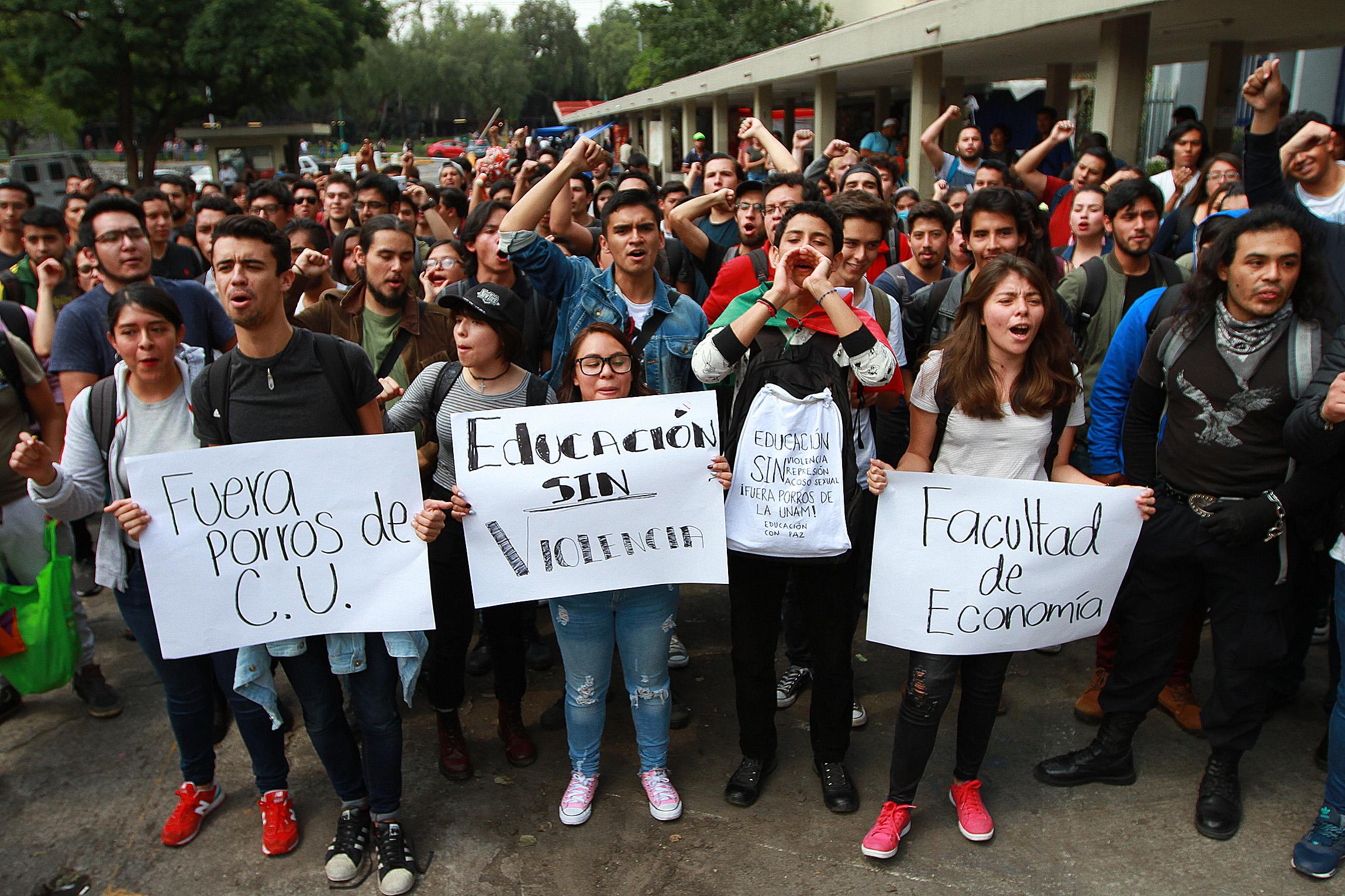 Estudiantes de la UNAM marcharán en silencio hacia el Zócalo