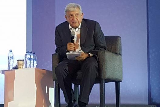 AMLO se compromete a impulsar nueva era de prosperidad económica