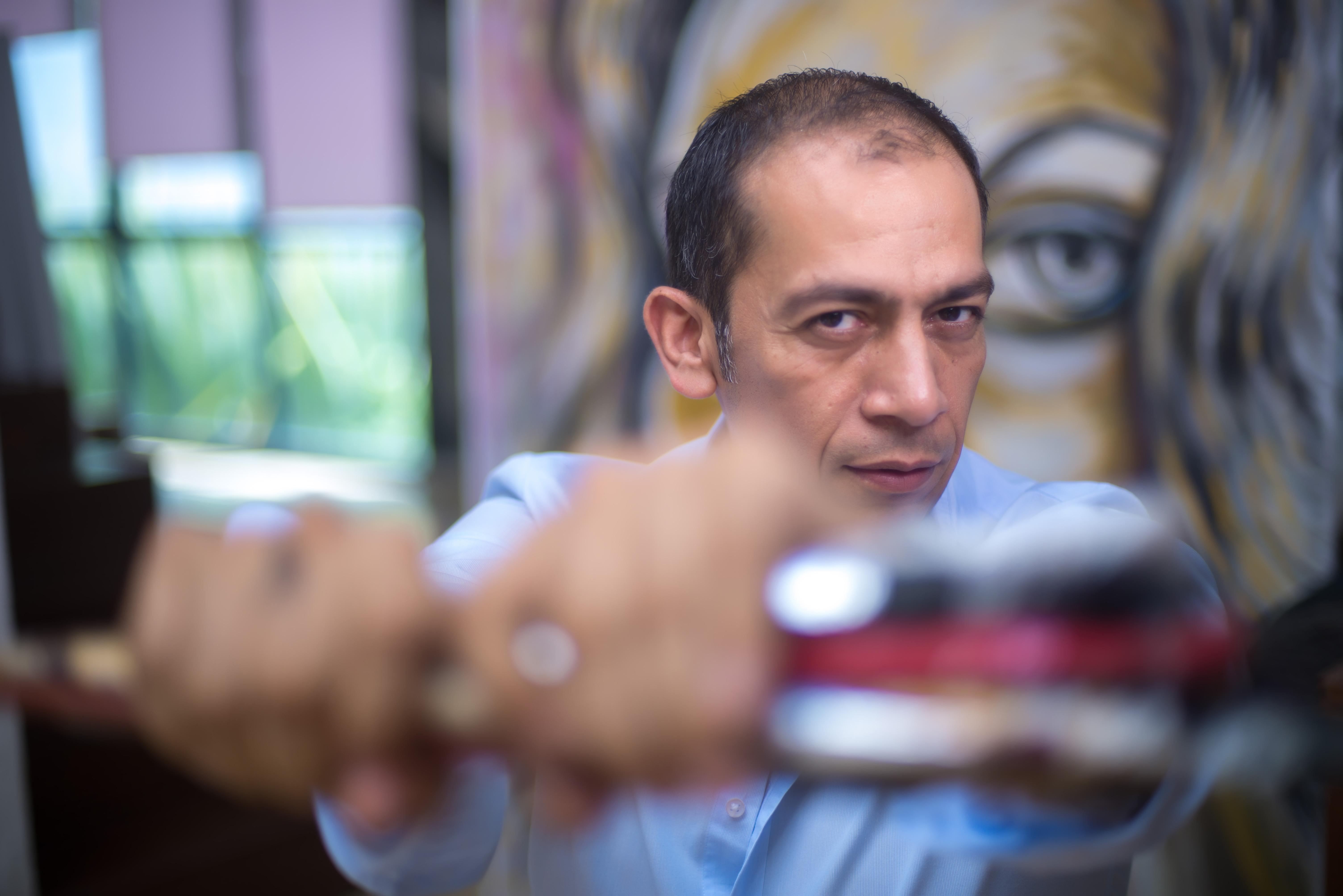 Alejandro Loccoco, de la industria de la belleza al universo de las artes
