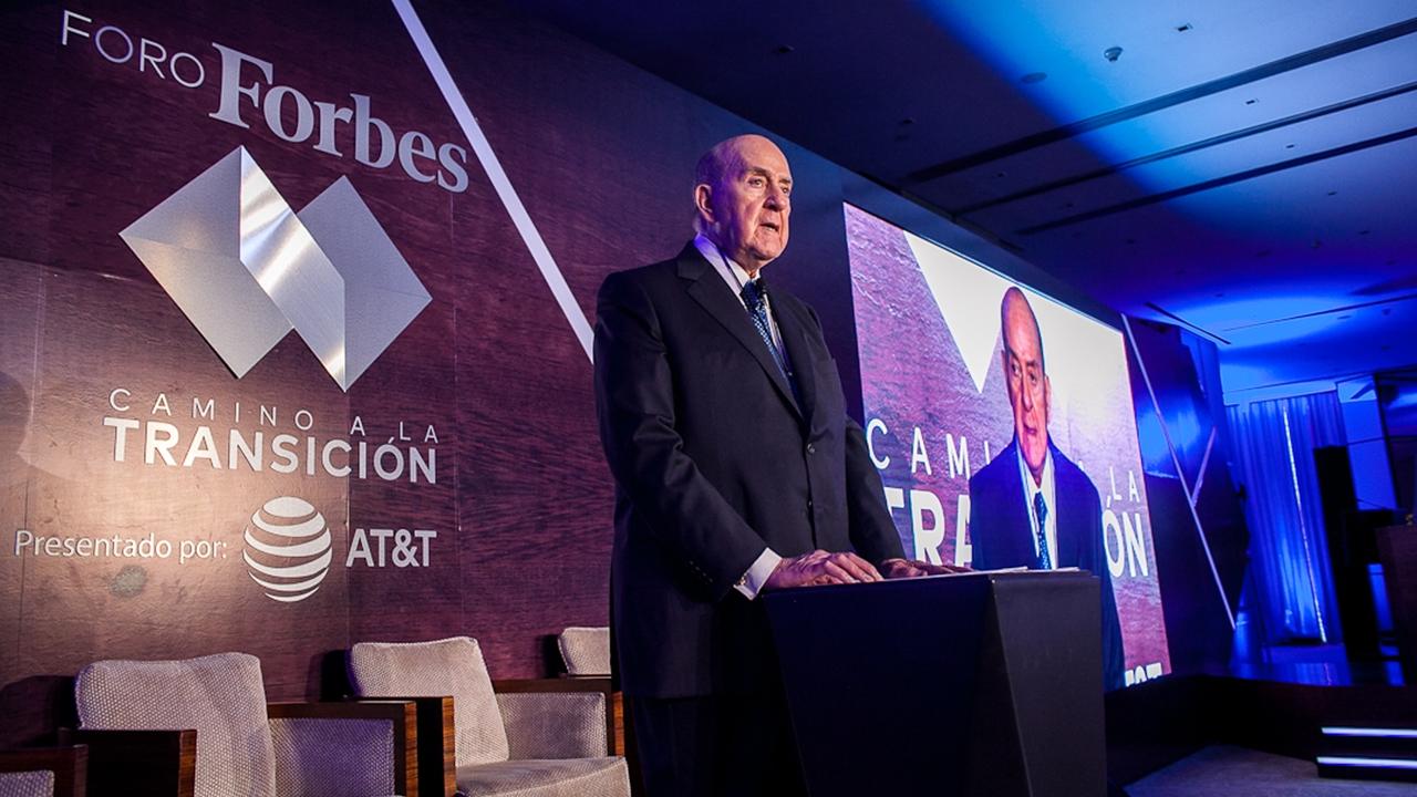 Antonio Madero Bracho, reconocido por excelencia empresarial