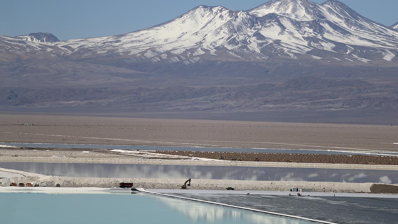 Chile crece 3.2% en agosto por desempeño en comercio