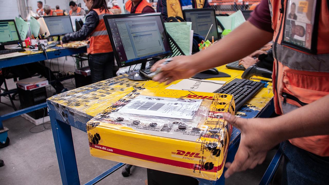 Unidad de comercio electrónico de DHL en Chile dejará de operar
