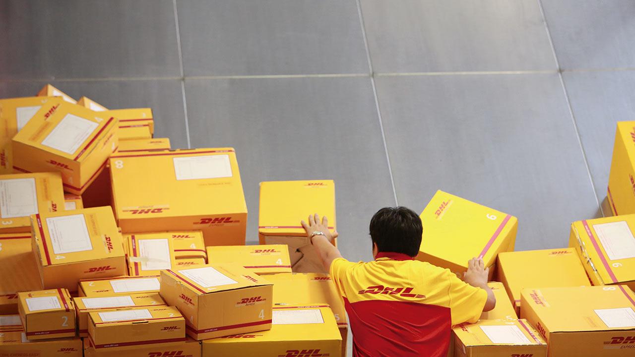 A pesar de Trump, DHL incrementa sus entregas