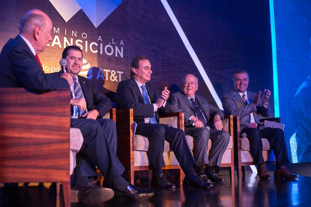 Hay que ser realistas, AMLO no podrá hacer todo: Claudio X. González