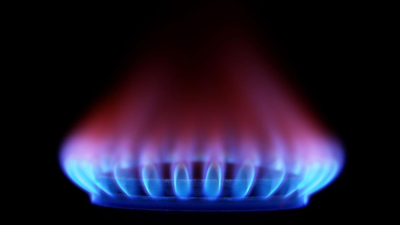 IEnova pacta abasto de gas natural licuado con tres empresas