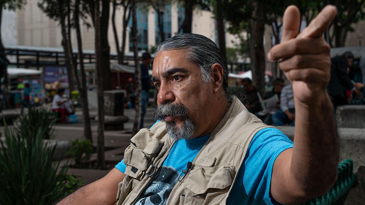 Villaseca recuerda la caída del Hotel Regis en la Alameda Central de la CDMX, donde ocurrió el colapso. Gracias a su experiencia de 1985, en 2017 logró detener que la maquinaria pesada entrara en las zonas de derrumbes y no aplastara a posible supervivientes debajo de las losas. Foto: Fernando Luna Arce/Forbes México.
