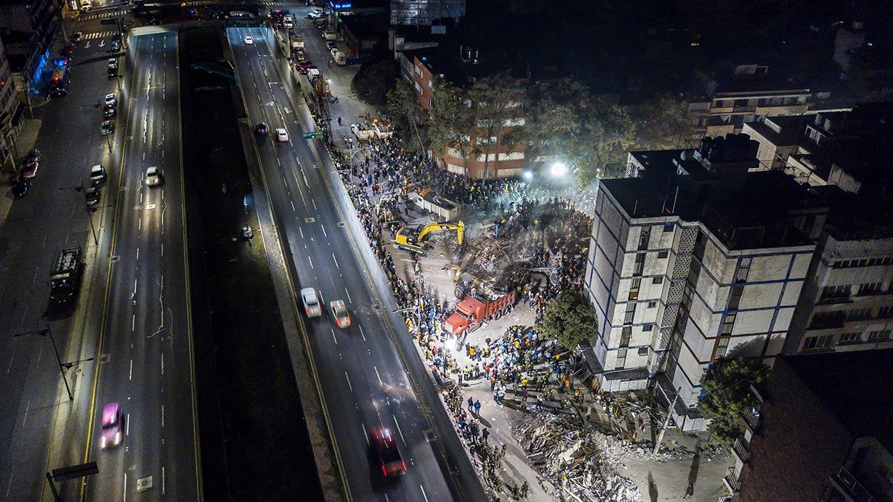 Edificio colapsado en la Colonia Del Valle. Foto: Hector Vivas/Getty Images.