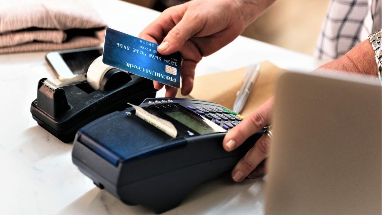 Interpol lanza alerta por malware en terminales para tarjetas