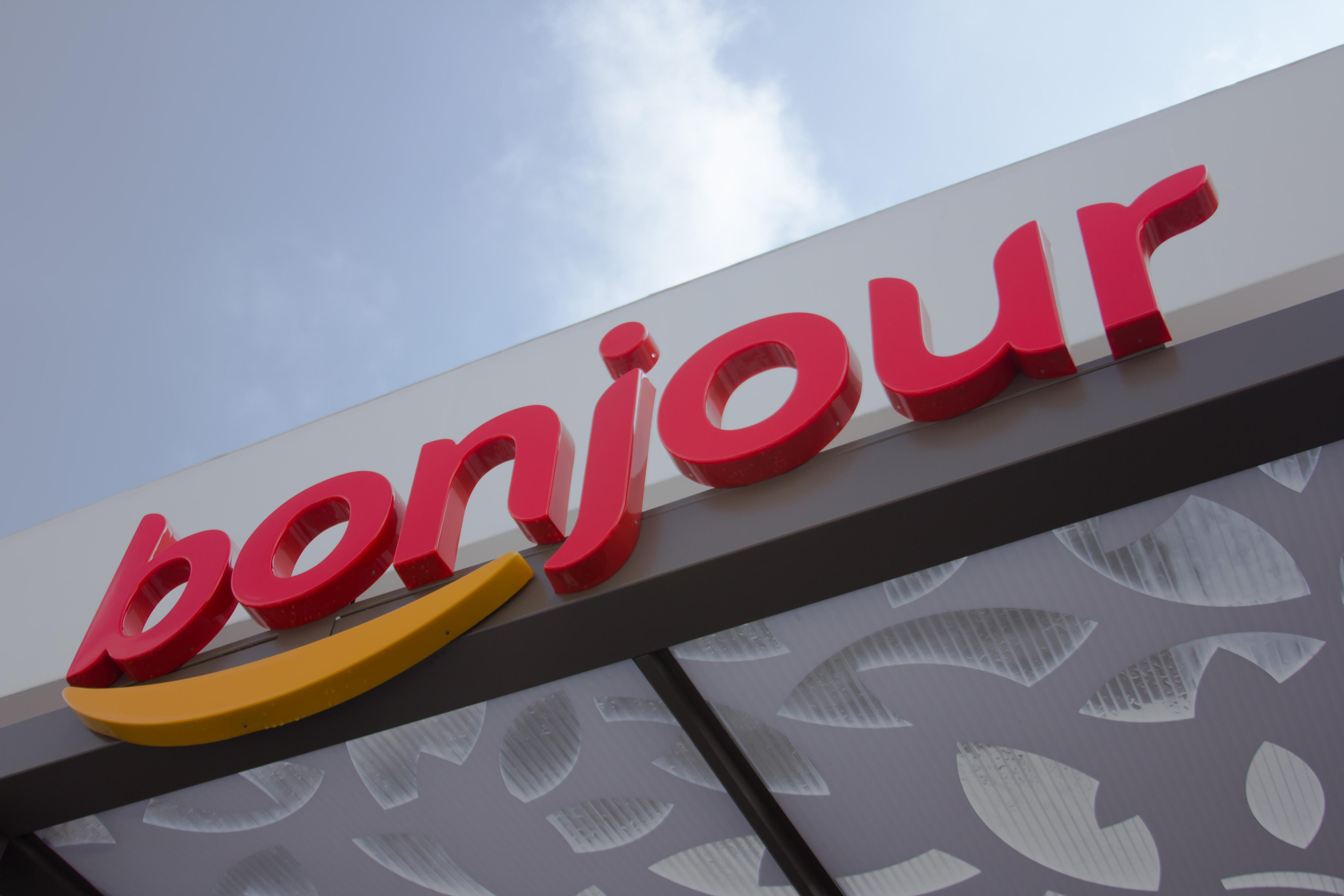 Total competirá contra Oxxo con su nueva tienda Bonjour