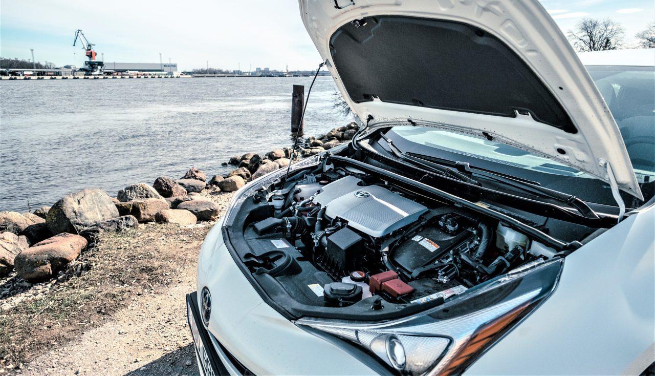 Toyota llama a revisión más de 17,000 híbridos Prius en México