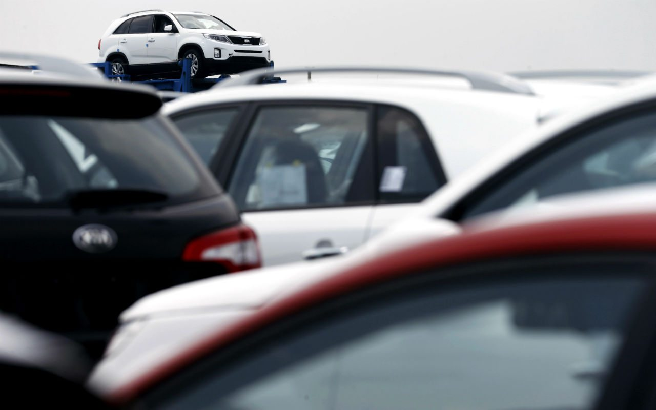 Venta de autos cae 10.4% en abril