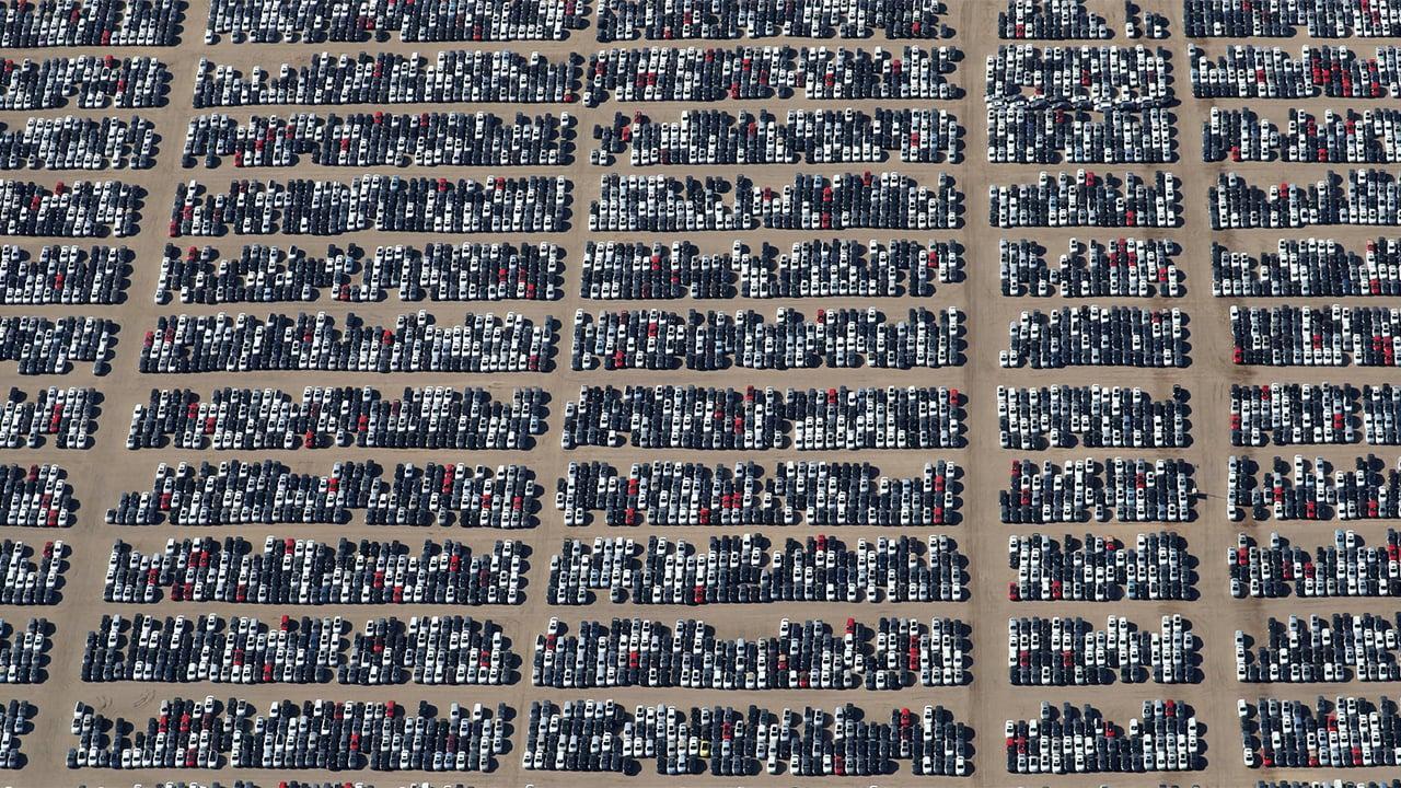 Producción y venta de autos desacelera en febrero