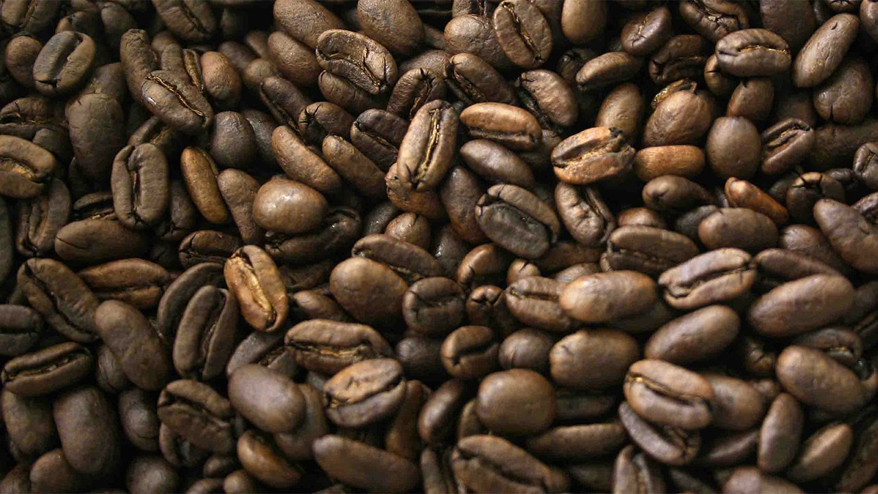 Café toca sus precios más bajos de los últimos 15 años