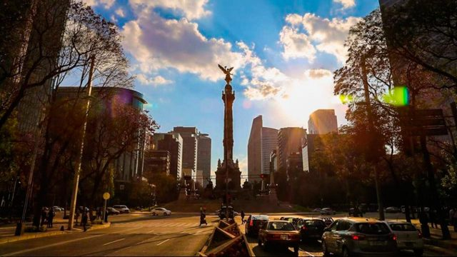 Tesla quiere ayudar a limpiar el aire de Ciudad de México