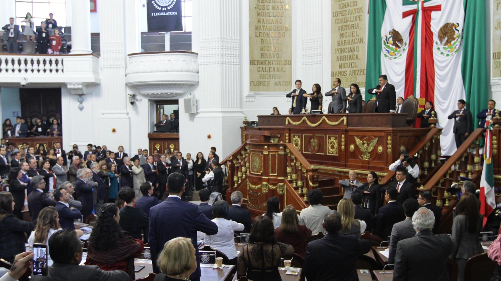 Nuevo Congreso de la CDMX declara entrada en vigor de Constitución