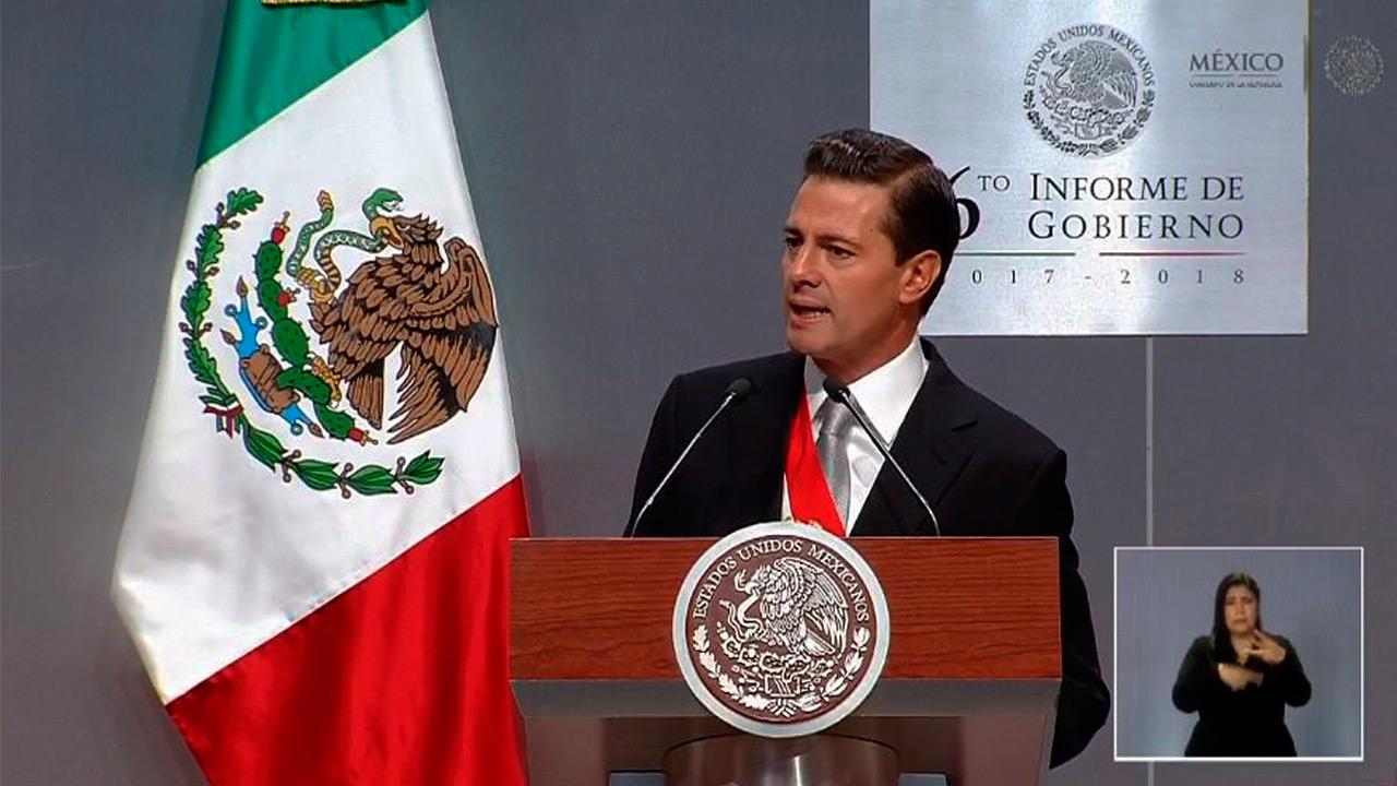 Crónica | Aplausos y 'muchos logros' en el último informe de Peña Nieto
