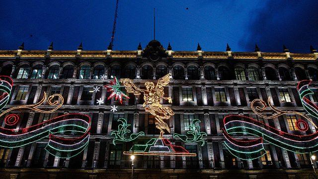 Con extraña señal, Peña Nieto da su último Grito de Independencia