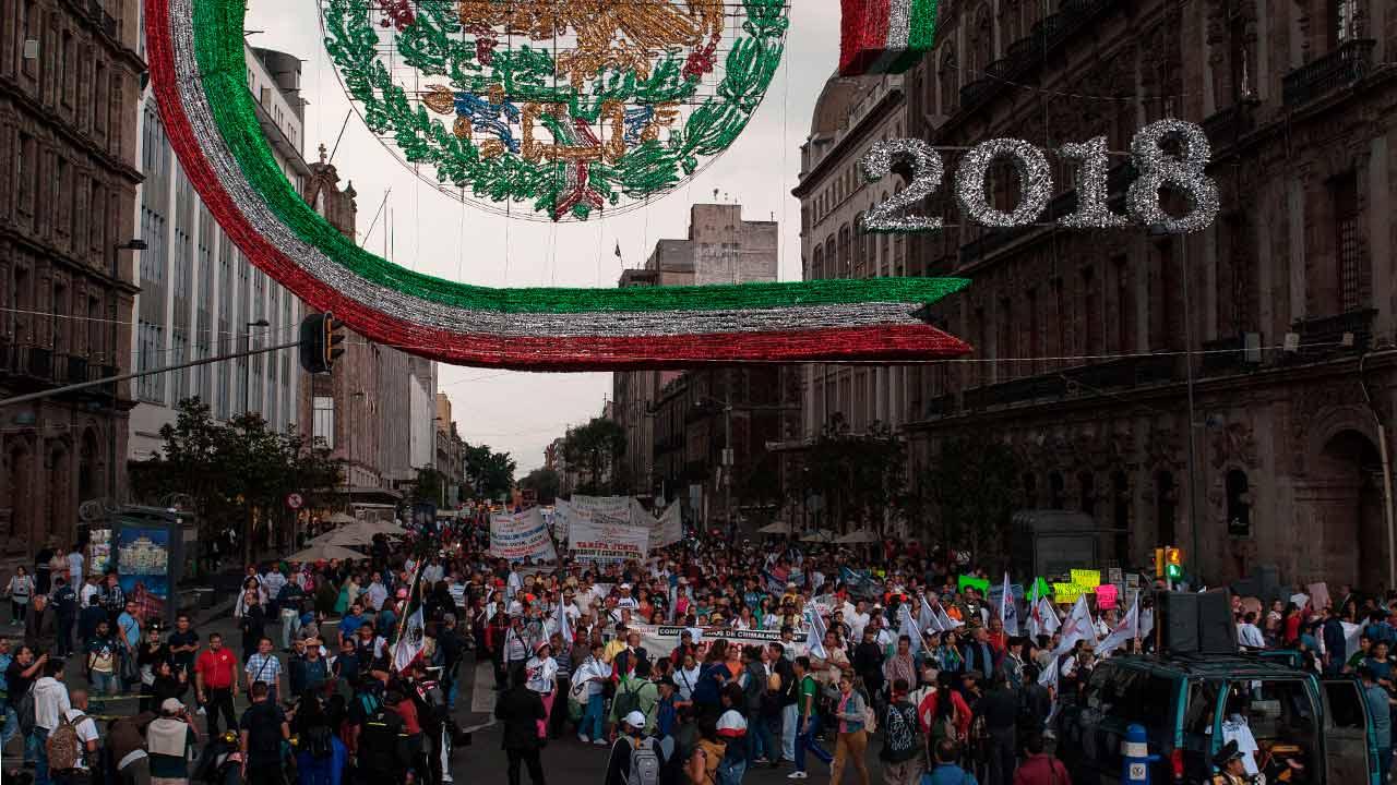 La marcha, llegando al Zócalo Capitalino sobre la Av. 20 de Noviembre. Foto: Angélica Escobar/Forbes México.