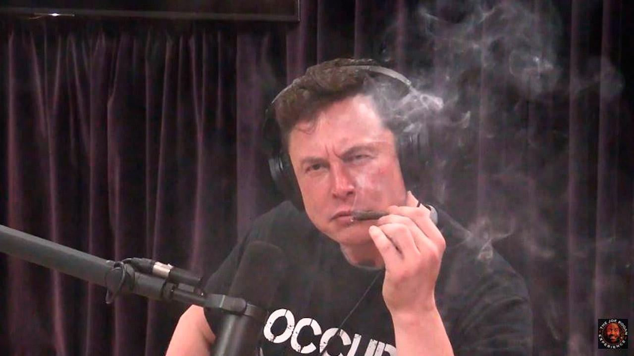 Qué hizo (ahora) el jefe de Tesla para que sus acciones cayeran