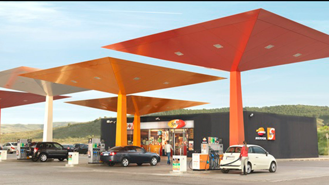 Repsol quita 90 gasolineras a Pemex en seis meses