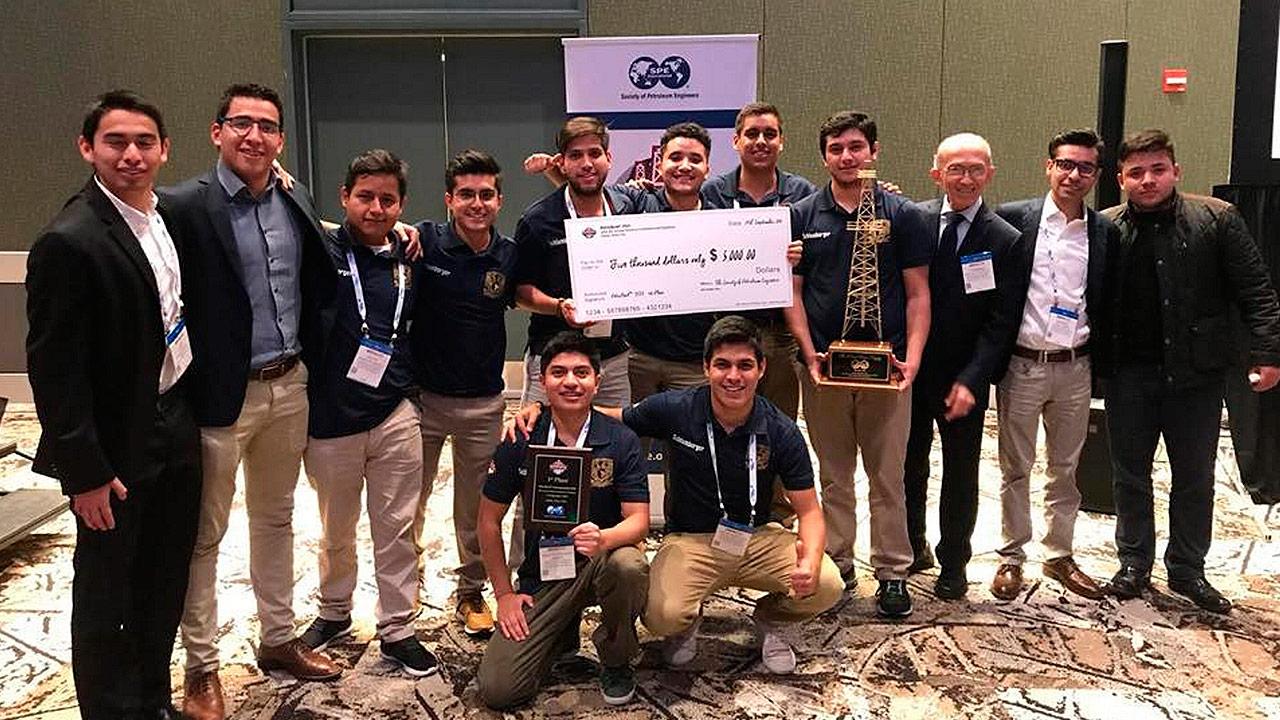 UNAM gana tricampeonato en concurso de Ingeniería Petrolera