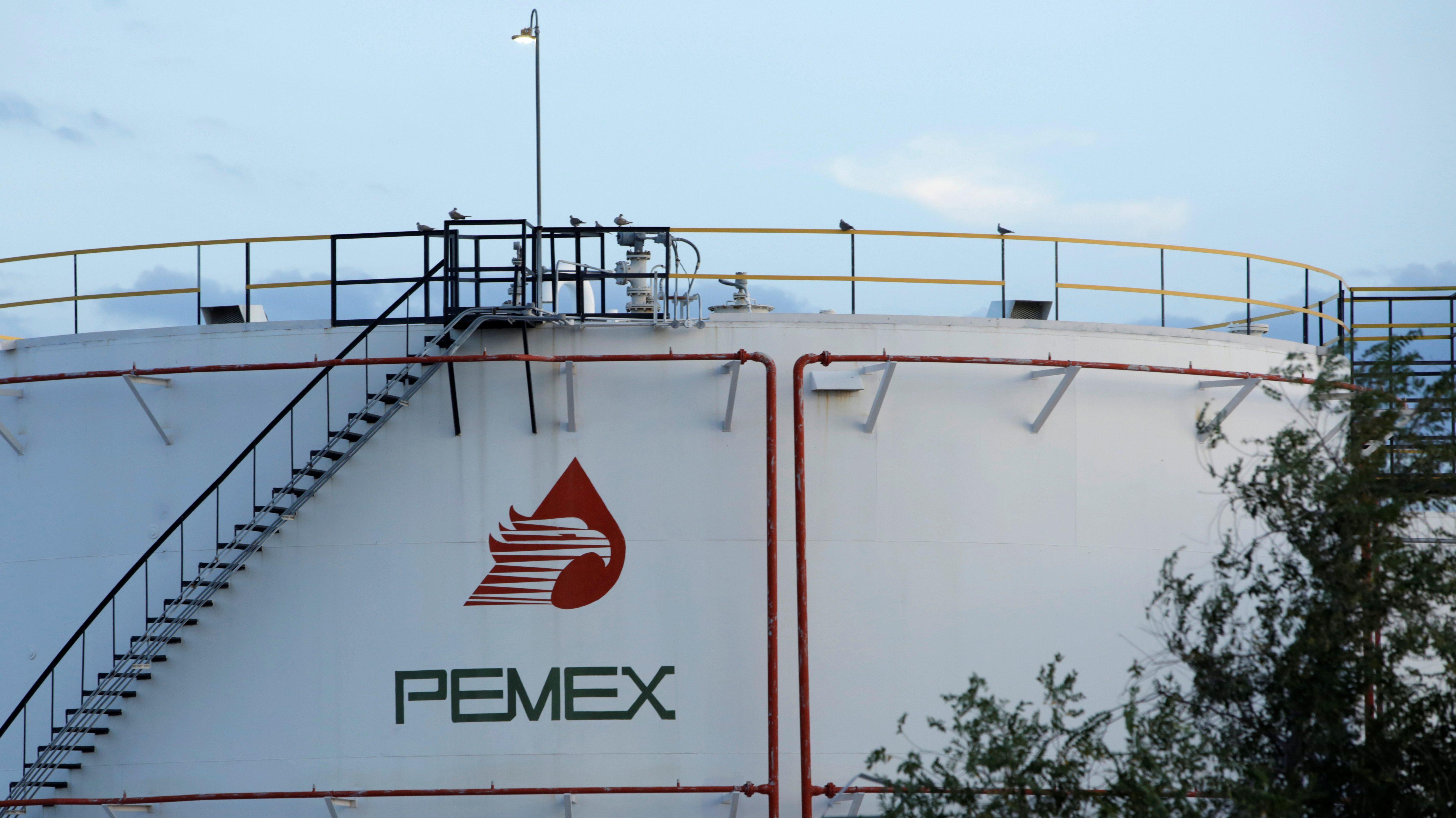 Planes de AMLO para Pemex golpean confianza de tenedores de deuda