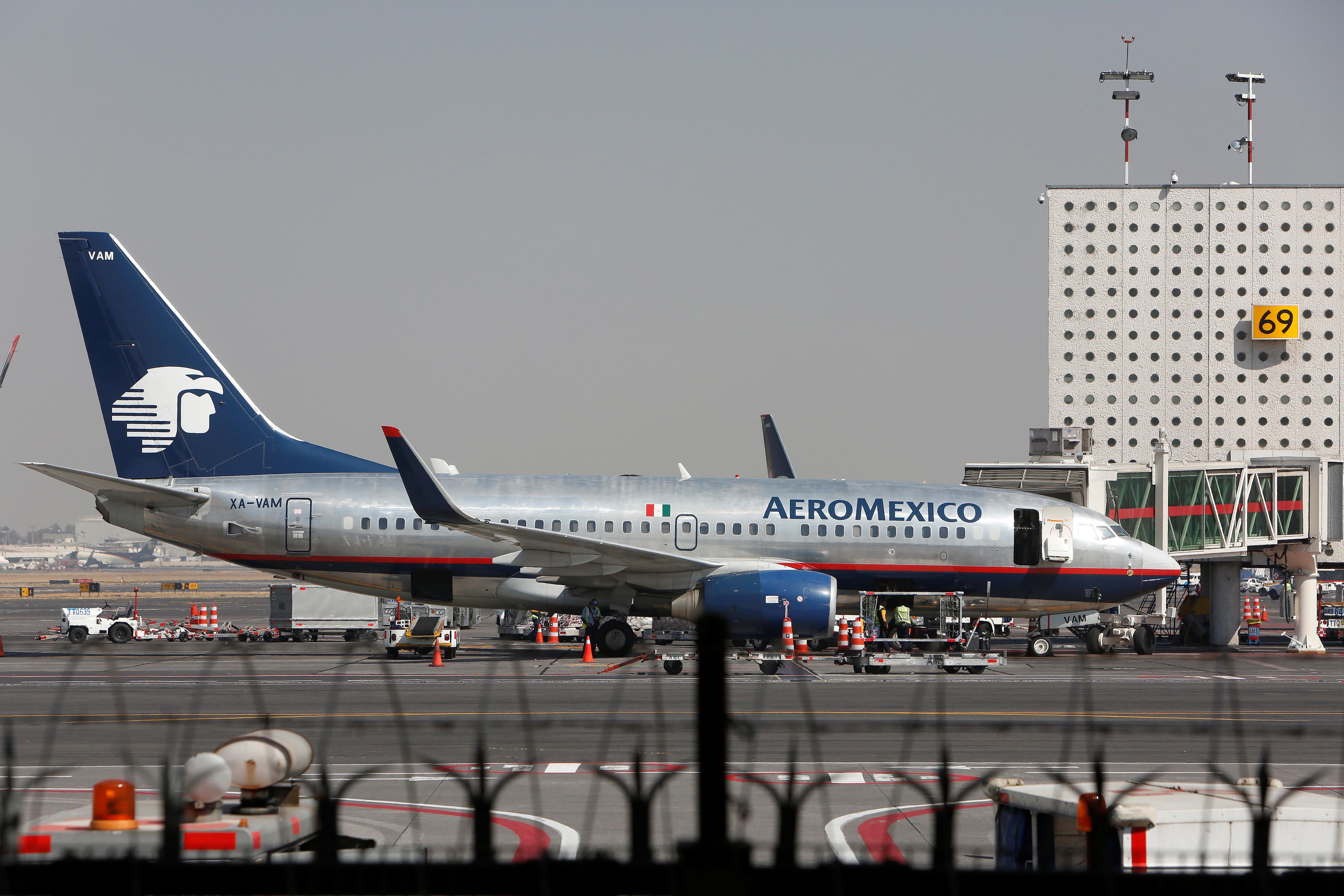 Aeroméxico despedirá a 616 sobrecargos por pandemia