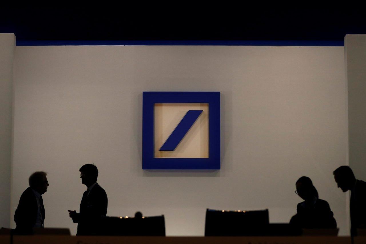 Bancos en el mundo recortarán 30,000 empleos este año: Financial Times