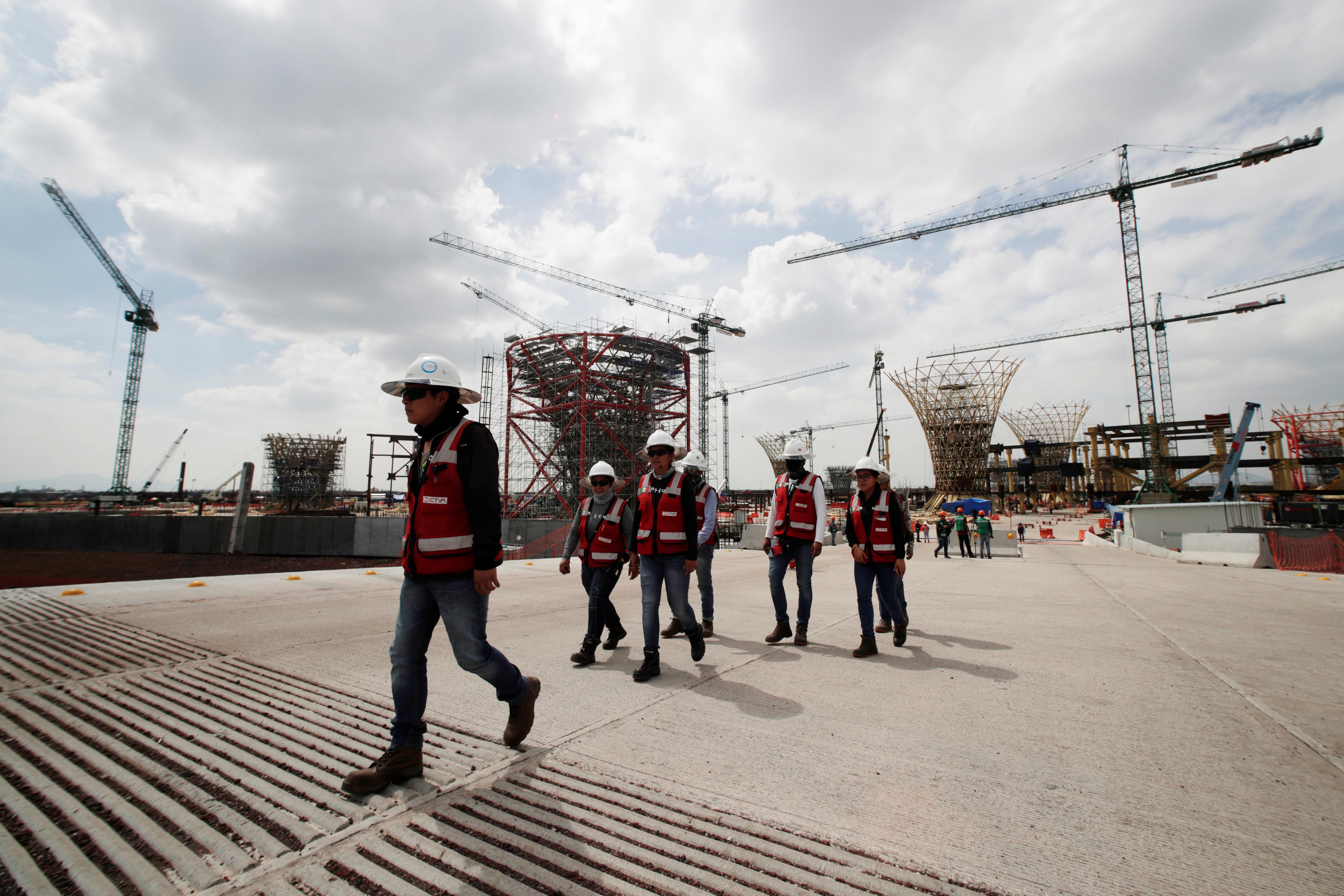 Cancelación del NAIM sorprende a miles de trabajadores, que perderían su empleo