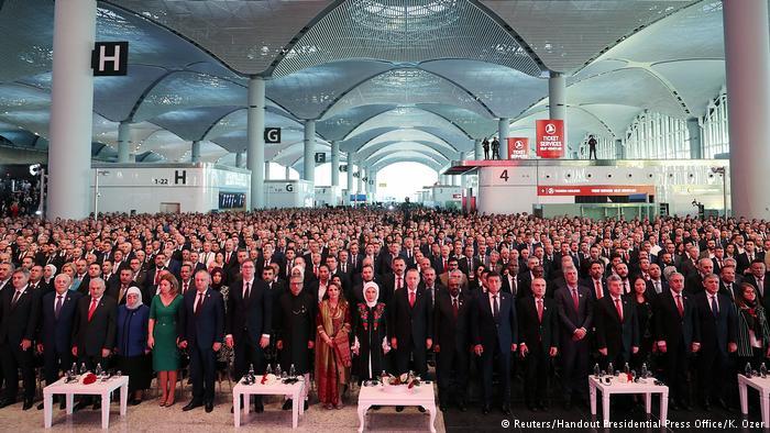 Erdogan inaugura gigantesco aeropuerto en Estambul
