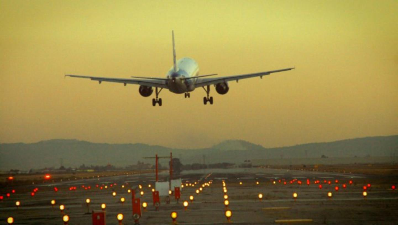 No más despedidas en aeropuertos: así reiniciarán los vuelos con sana distancia