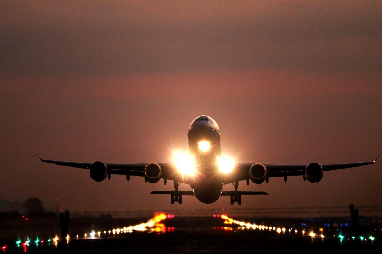 Aerolíneas Argentinas cancela todos sus vuelos del martes próximo por huelga