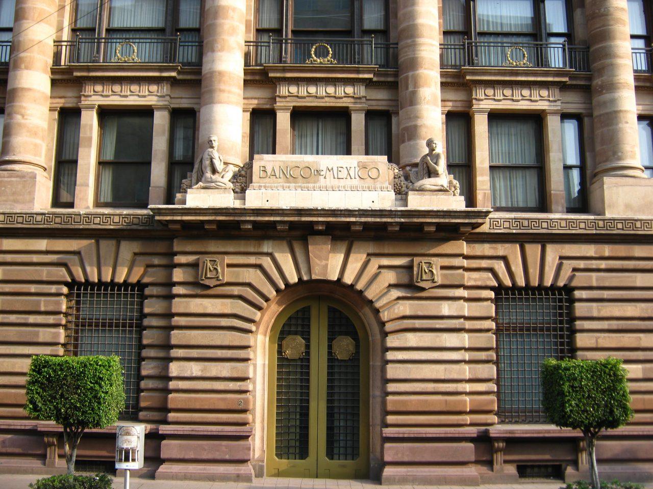 Analistas prevén recorte de tasas del Banco de México: encuesta