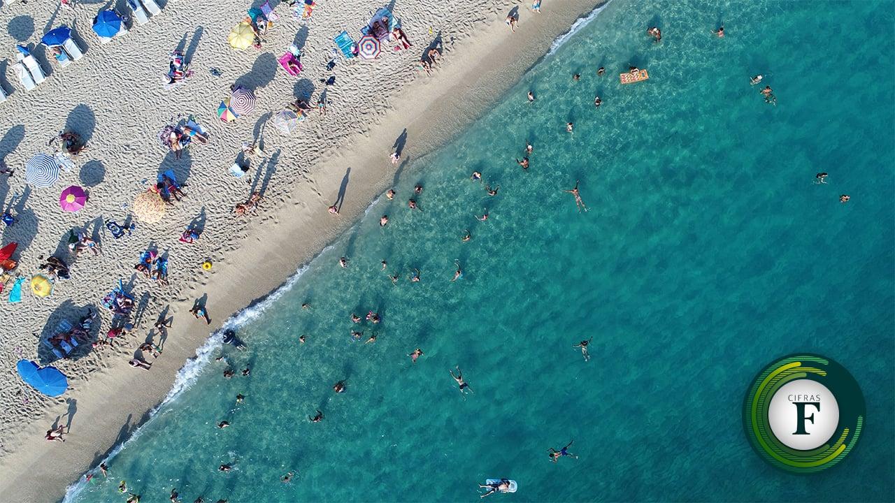 Los mexicanos viajan menos por falta de dinero y días de vacaciones: encuesta