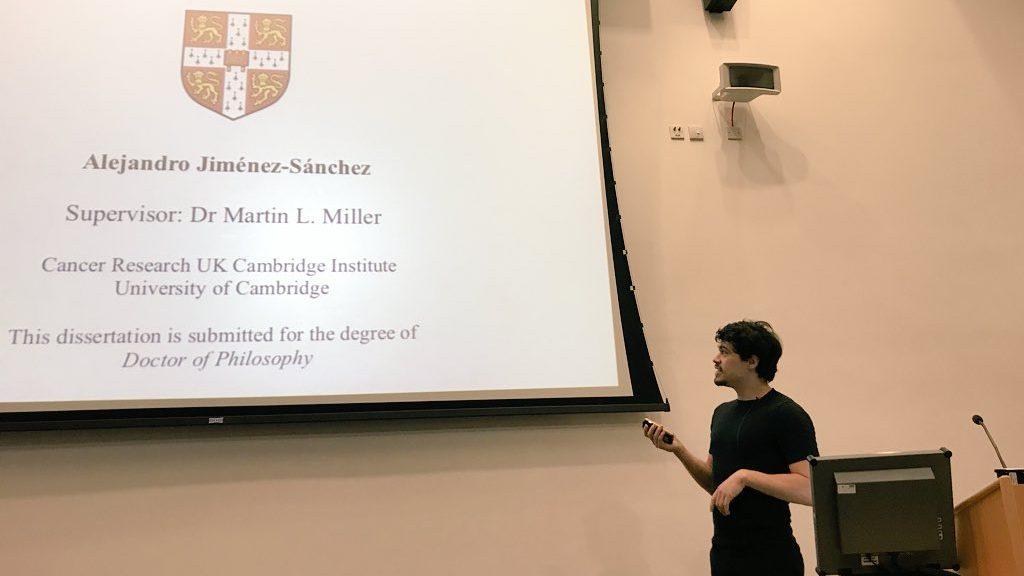 Estudiante mexicano elabora la mejor tesis doctoral en Cambridge