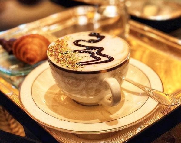¿Antojo de café con oro? Disfrútalo en Dubái y Abu Dhabi