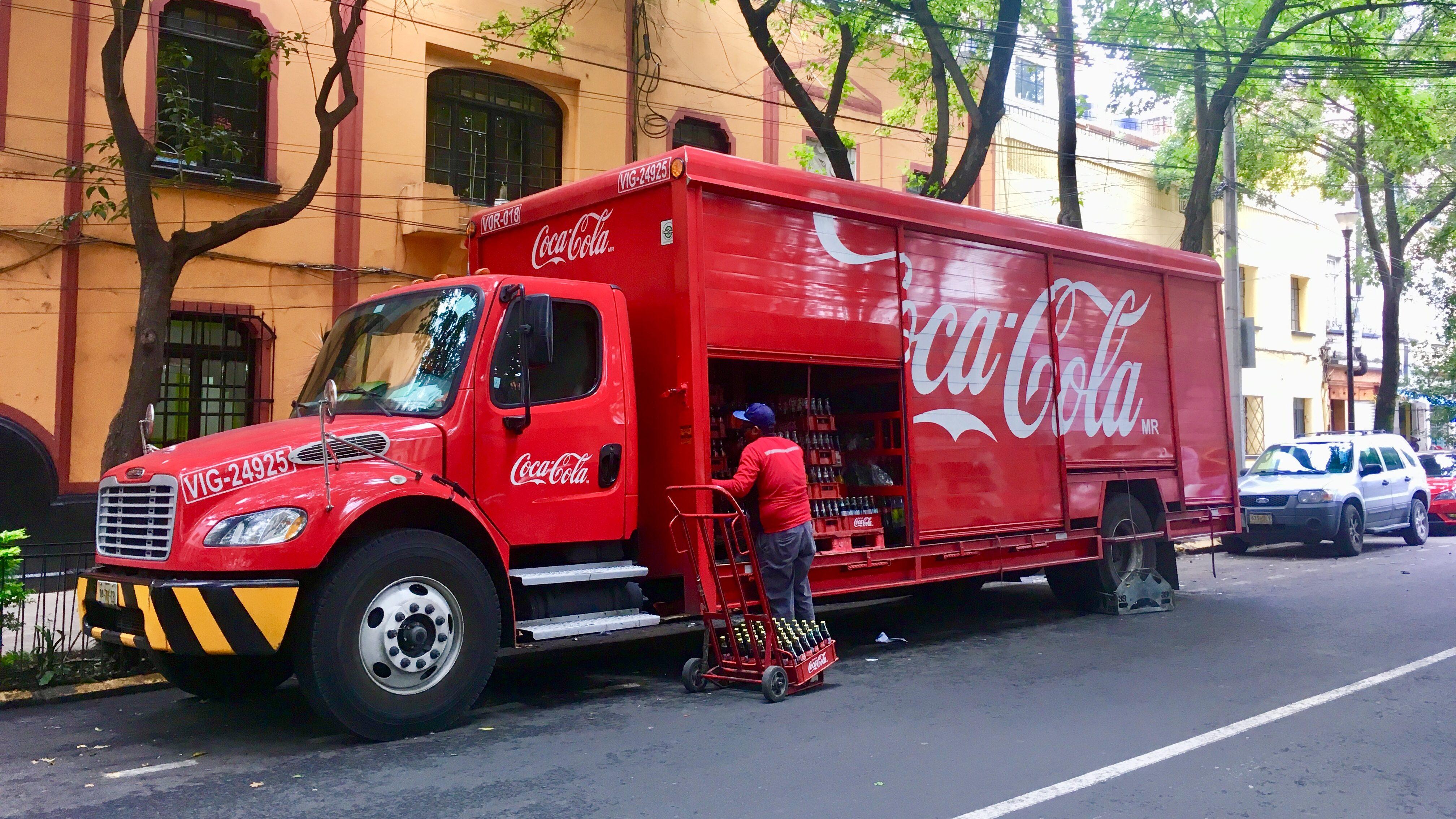 Ingresos de Coca-Cola Femsa crecen 6.7% gracias a su expansión en Latinoamérica
