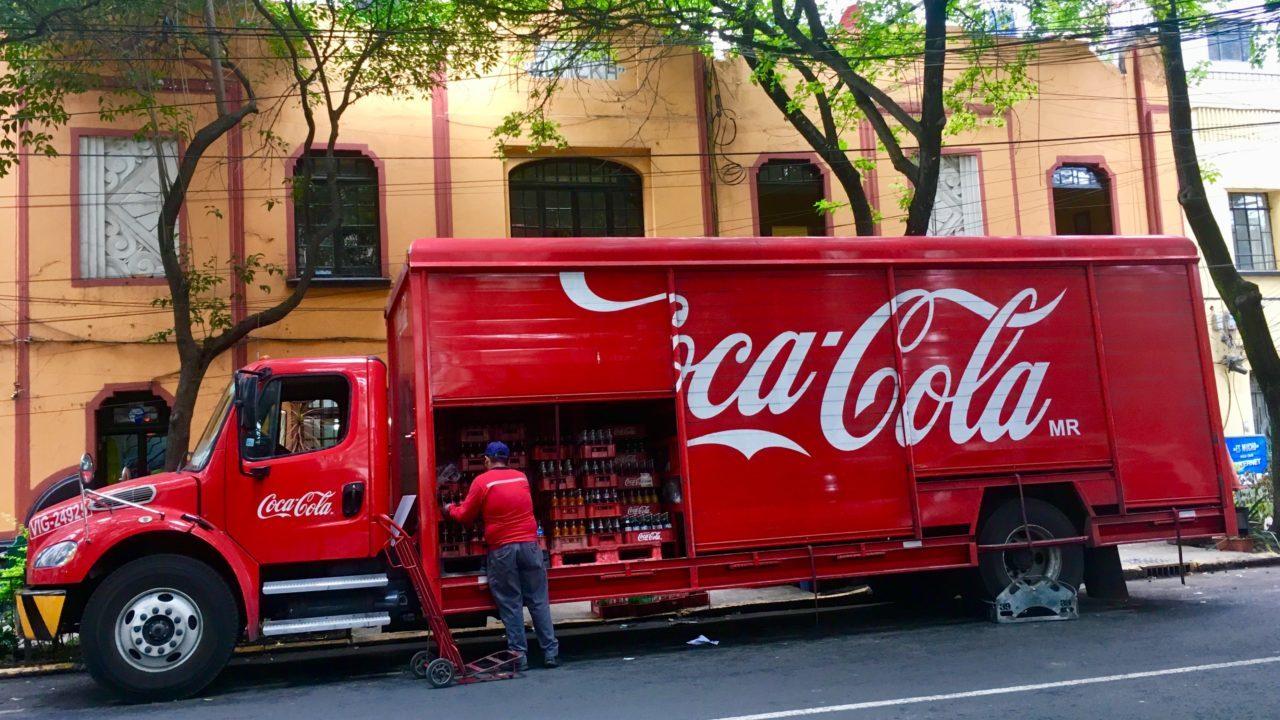 Movilidad impulsa ventas de Coca Cola Femsa; crecen 10.9%